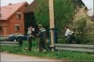 Maibaumaufstellen 01.05.1999_2